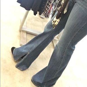 Denim - Wide leg jeans with side slit